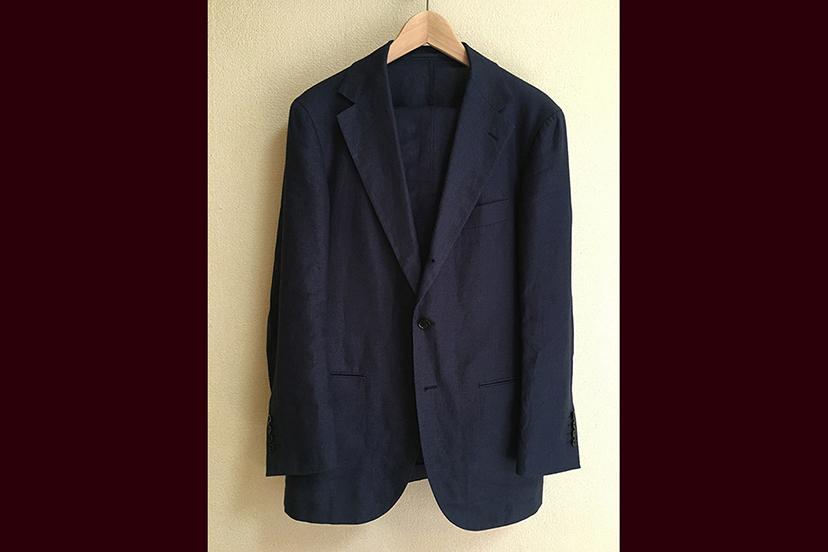 リネンのスーツと「ばん」のレバカツ
