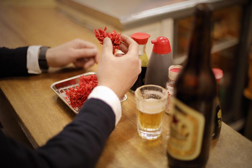 U.S.NAVYのステンカラーコートと「大衆酒場 増やま」の紅しょうがのかき揚げ