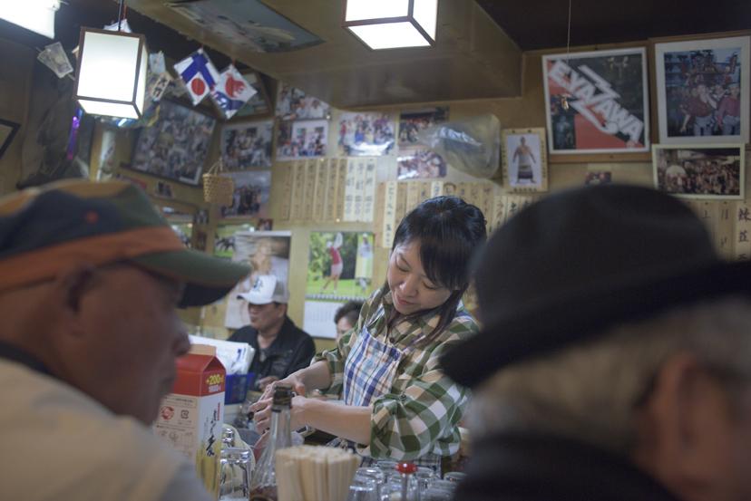 東京の東の果てに、もつ焼きの名店がある。