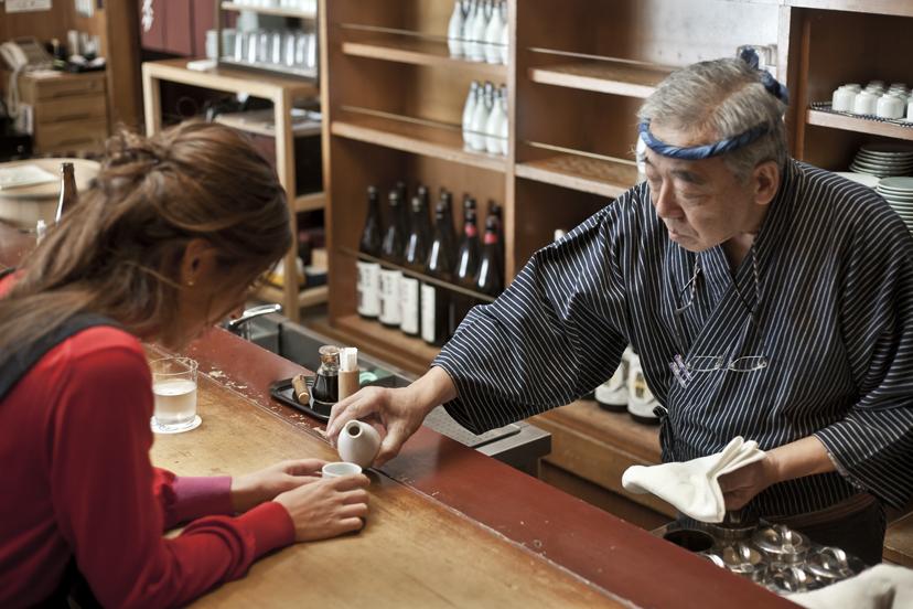 湯島「シンスケ」で老舗酒場の進化を堪能する